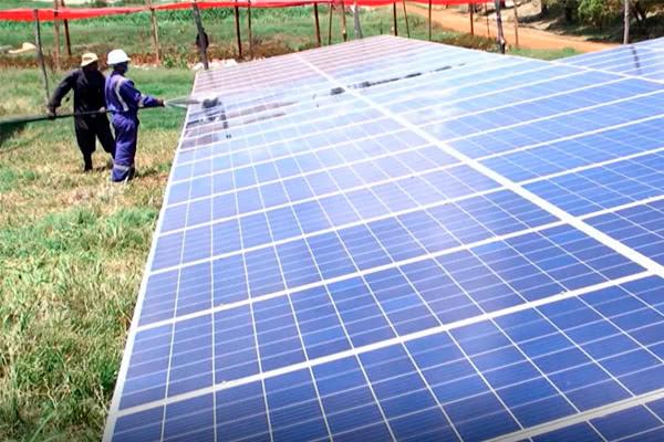 Солнечная энергия для кенийских цветов